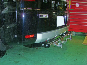 三菱 デリカD5 4WD (型式:DBA-CV5W) ヒッチメンバー取り付けレポート